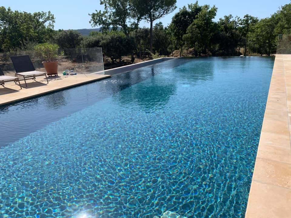 piscine en béton ciré